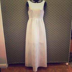 Leifsdottir  white maxi dress